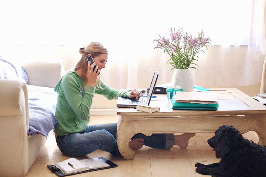 Avantajele de care te poti bucura atunci cand lucrezi de acasa